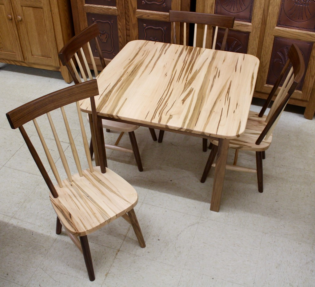 Comb Back Child S Table With Four Chairs In Wormy Maple Walnut