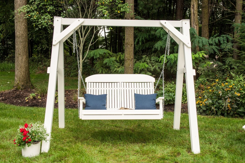 4' Classic Poly Swing in White